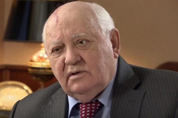 Горбачев одобрил политику СССР при крушении Берлинской стены