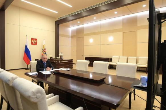 """""""Путин выражает интересы олигархов"""": в России растет число тех, кто так считает"""