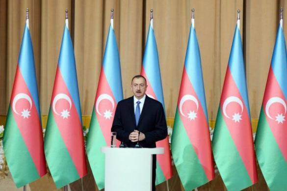 Президент Азербайджана призвал страны к сплоченности