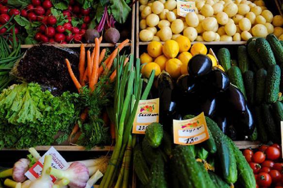 Потребительская корзина россиян станет меньше и дороже