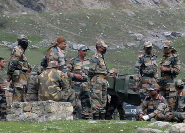 Столкновение Индия - Китай: стороны обвиняют друг друга, солдаты гибнут