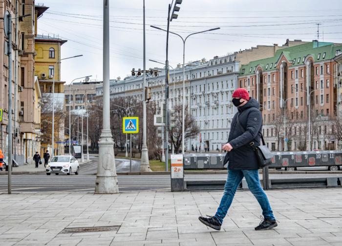 Ведомости: в Москве не исключают новую самоизоляцию из-за COVID-19