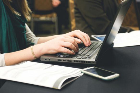Специалисты рассказали о симптомах интернет-зависимости