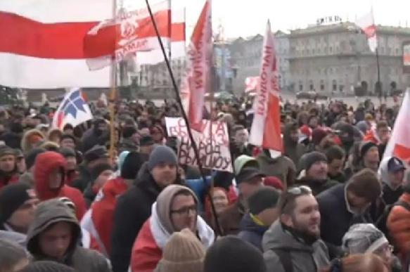 Майдан в Белоруссии: националисты хотели прорваться в Дворец Республики
