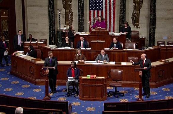 Нижняя палата Конгресса проголосовала за импичмент по первой статье