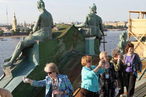 Штрафы за экскурсии по крышам домов в Петербурге дойдут до 200 тыс. рублей