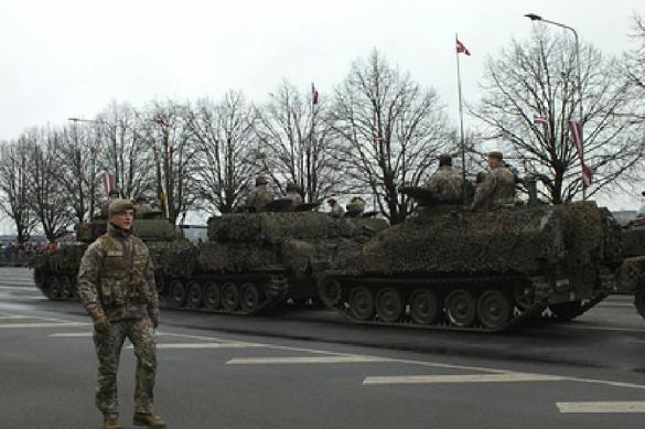 """Военный эксперт об учениях НАТО """"Defender-2020"""": """"Накаляют обстановку"""""""