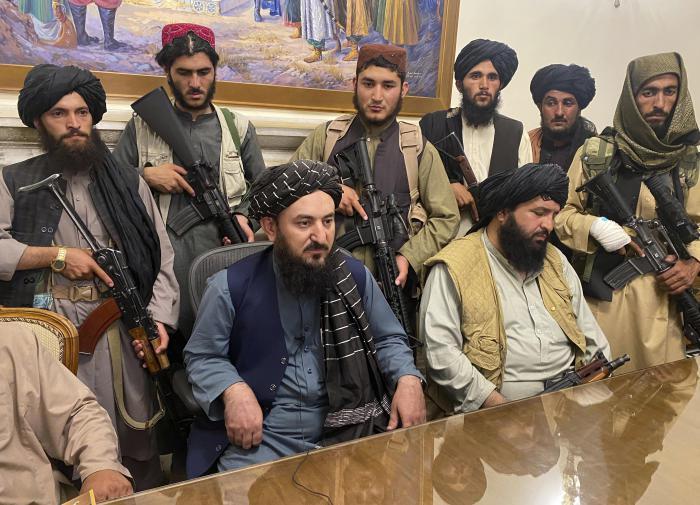 Афганистан: лидеры талибов* устроили драку в президентском дворце