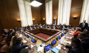 Переговорщики в Женеве рассматривают возможность приостановки сирийской конституции