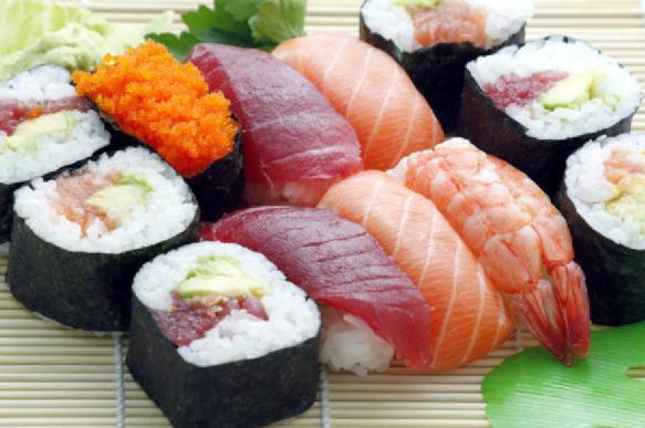 Врачи предупредили об опасности блюд из сырых мяса и рыбы