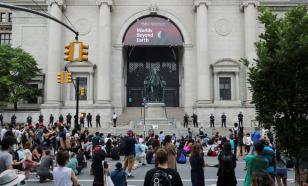 Борьба с расизмом в США: очередь дошла до статуи Рузвельта