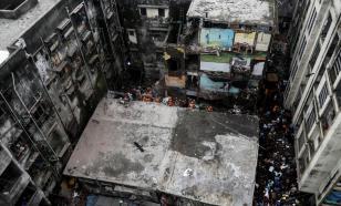 Трёхэтажный дом обрушился в Индии. Счёт погибшим идёт на десятки