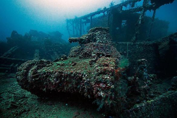 В Иордании создали подводный музей военной техники