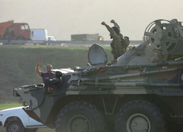 Армия Азербайджана вошла в Лачинский район в Карабахе