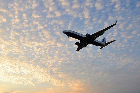 Авиабилеты по России и за рубеж резко подешевели