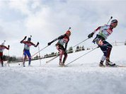 Российские биатлонисты в гонке преследования остались без медалей