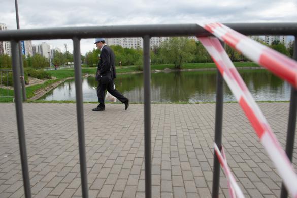 Нарушитель самоизоляции в Екатеринбурге полез в драку с полицейскими