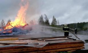 В Сергиевом Посаде спасатели локализировали пожар в деревянной церкви