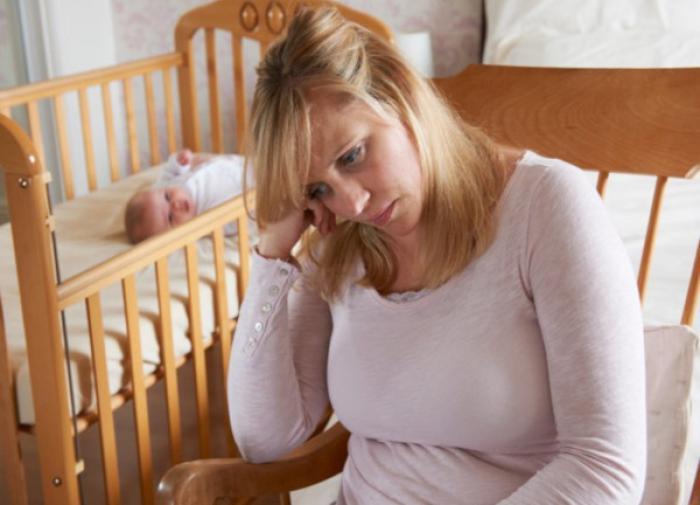 Психотерапевт раскрыл причины развития послеродовой депрессии