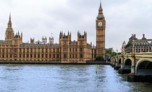 В Британии салоны красоты не смогут открыться в течение шести месяцев