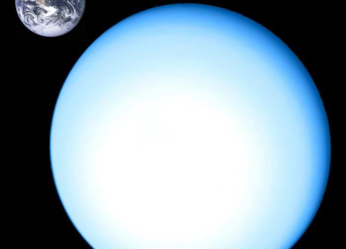 Почему Уран назван самой странной планетой Солнечной системы?
