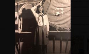 Лера Кудрявцева опубликовала фото из своего пионерского детства