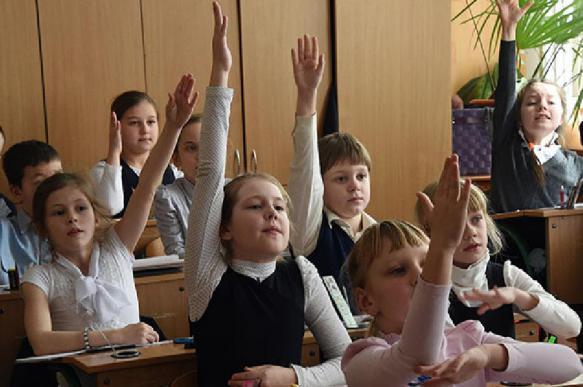 Школьников хотят переодеть в красноармейцев