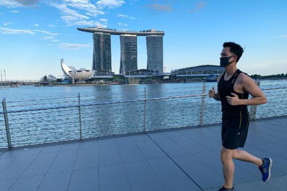 Карантин в Сингапуре продлится еще больше месяца