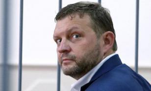 Экс-губернатор Белых начал вести колонку о зэках и тюрьме