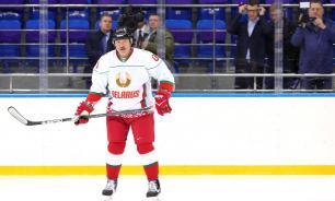 Лукашенко не умеет играть в хоккей