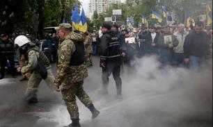 Украина: издевательства над жертвами одесской трагедии продолжаются