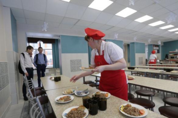 Заведующая столовой после отравления школьников отделалась штрафом