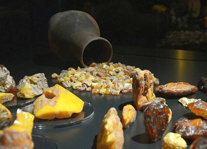 Кто и почему пытается разрушить янтарный бизнес в Калининградской области
