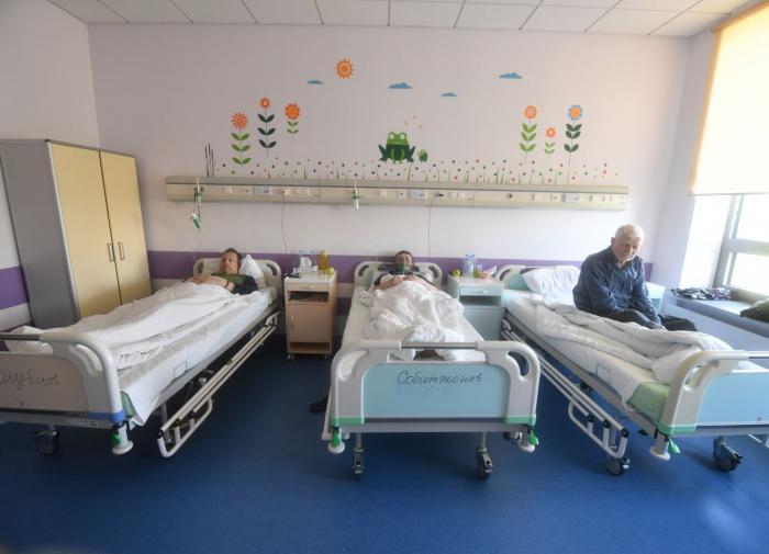Чиновник Минздрава России: в больницах уже заняты 90% коек