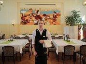 Москвичи снова стали ходить по ресторанам