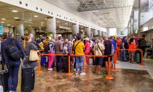 Захарова рассказала о приоритетах при организации вывозных рейсов