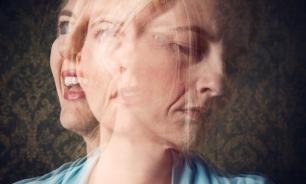 Маниакально-депрессивный психоз, или биполярное расстройство, проявляется периодически