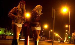 Проблема безопасности на дорогах Италии: жриц любви оденут в униформу