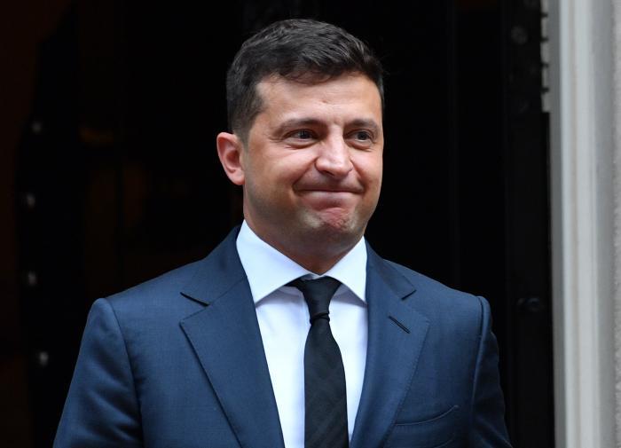 """""""Куда-то пропал"""": депутат Рады нашёл доказательство подмены Зеленского"""