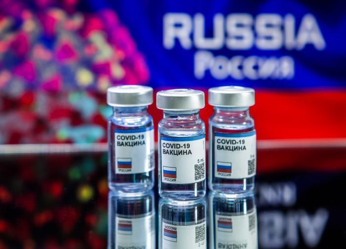 """Сербия встала на защиту российской вакцины """"Спутник V"""""""
