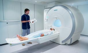 Больные раком мозга часто связывают симптомы болезни со старением - английские ученые