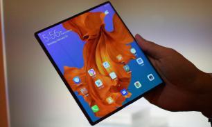 Первый смартфон Huawei с гибким экраном раскупили мгновенно