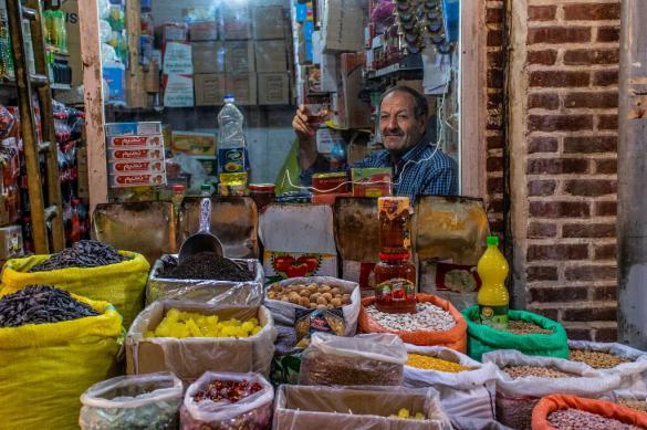 Эксперт рассказал, почему Иран меняет национальную валюту