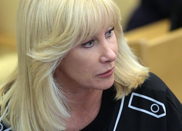 Пушкина: домохозяйкам надо платить зарплату за воспитание детей