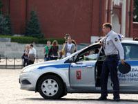Мужчина задержан при попытке проехать на скутере на Красную площадь.