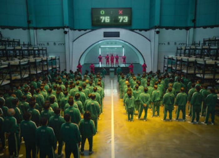 """Южнокорейский сериал """"Игра в кальмара"""" побил все рекорды Netflix"""