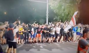 Больше сотни правоохранителей пострадали на митингах в Белоруссии