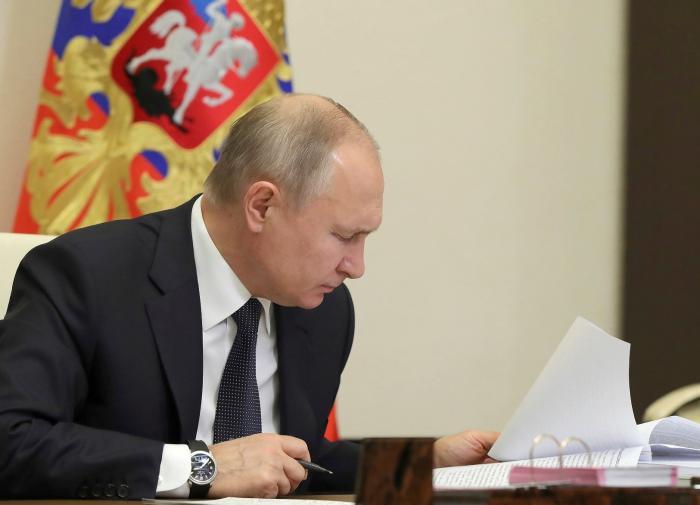 Путин подписал закон об онлайн-вычетах НДФЛ