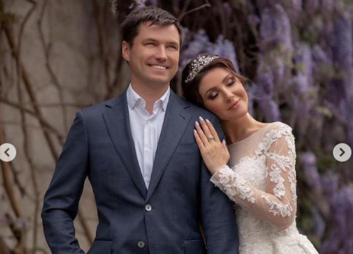 Родители Романа Малькова встали на сторону новой невестки