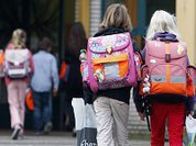 Девять школьниц пострадали от извращенца